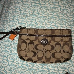 BARELY USED COACH WRISTLET!!